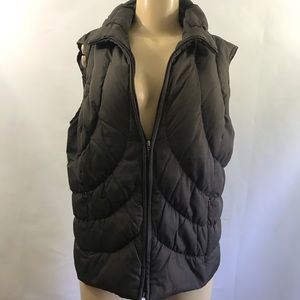 NINE WEST 🌦Sculpted puffer vest with down fill